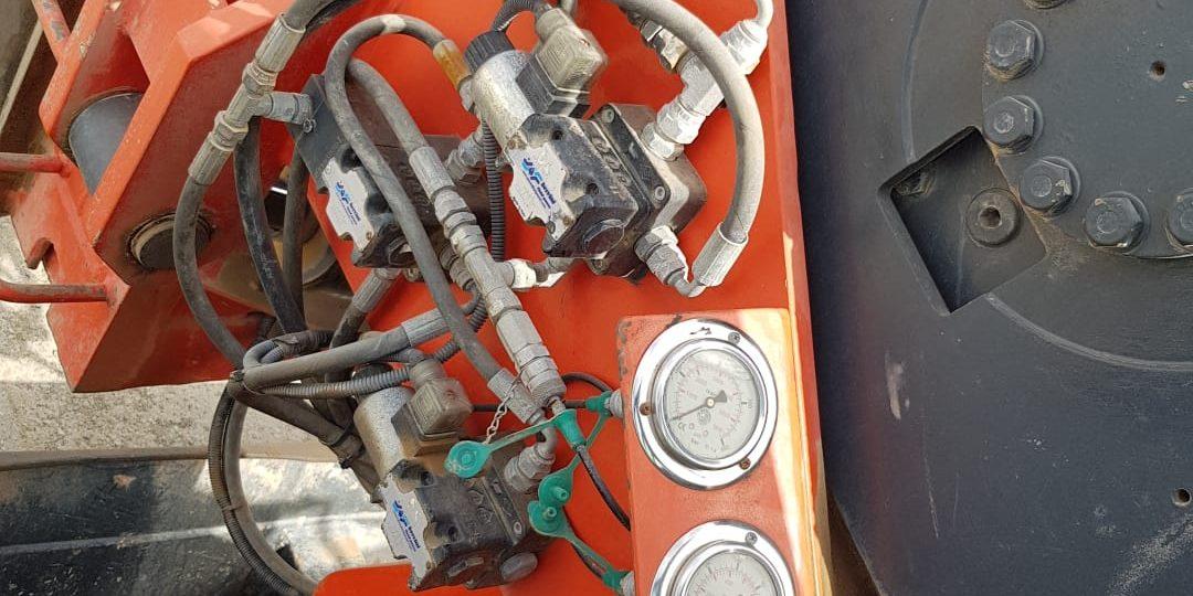 L'immagine mostra i compattatori prodotti da Tescm Osimo Italy